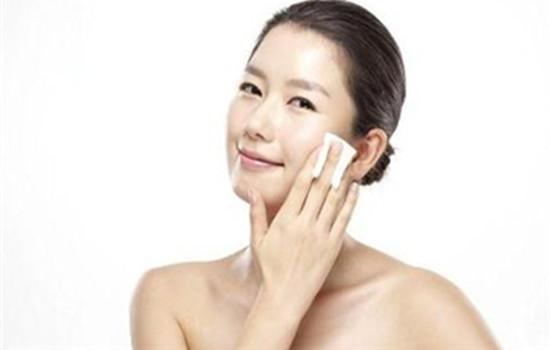面霜和精华的顺序怎么用 面霜是护肤的最后一步