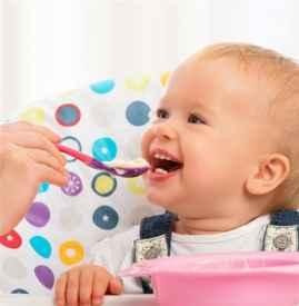 宝宝什么时候添加辅食 宝宝第一餐辅食吃什么