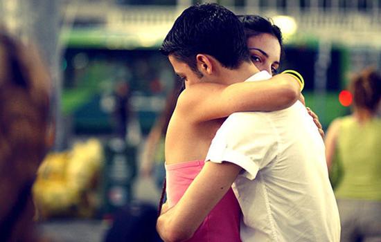 <b>女朋友伤心了怎么办 成熟男友会教你这几招</b>