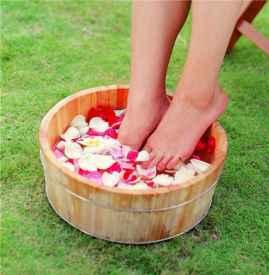 风湿性关节炎用什么泡脚 风湿性关节炎的泡脚方
