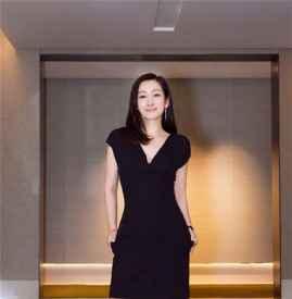 秦海璐现身第54届台湾金马奖工作 知性又优雅气质超吸睛