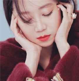 韩国版《嘉人》十二月美妆画报 孔孝真骨子里的优雅~