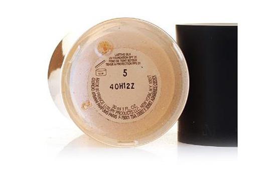 阿玛尼粉底液保质期多久 生产日期怎么看