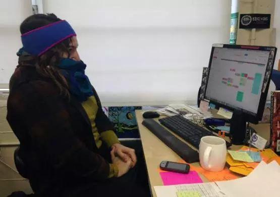 办公室保暖神器 给敲打键盘的双手带来温暖