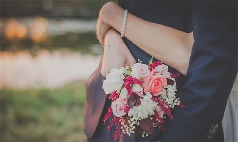 背着男朋友去相亲 是选择现实还是选择爱情