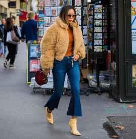 冬天牛仔裤配什么上衣 打造随性洒脱的时尚范儿