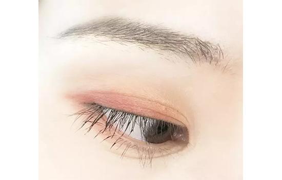 双眼皮眼影怎么画好看图解 怎么画怎么好看