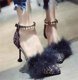 怎么挑选高跟鞋   如何挑选一双适合自己的高跟鞋呢