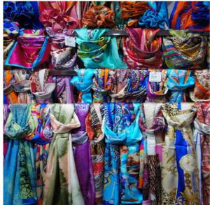如何系丝巾好看 今年秋冬丝巾新戴法介绍