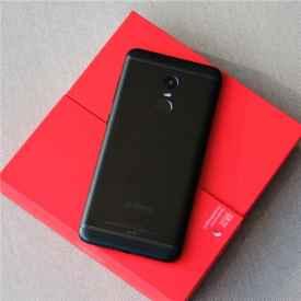 360手机N6开箱图赏 超强续航为最大卖点
