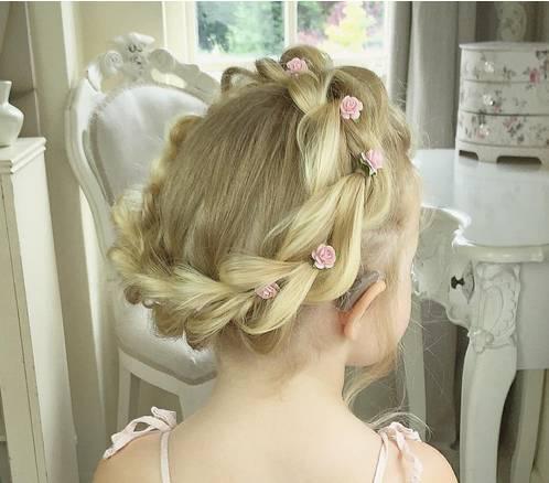 儿童公主发型简单漂亮是披发图片