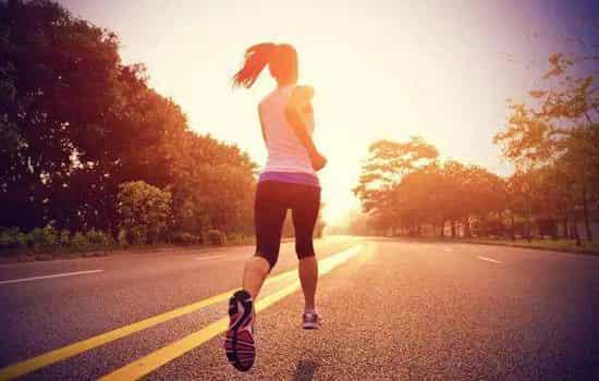 骑自行车和跑步哪个减肥好 骑自行车多久能减肥
