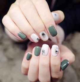 绿色美甲图片 显白流行色美甲分享