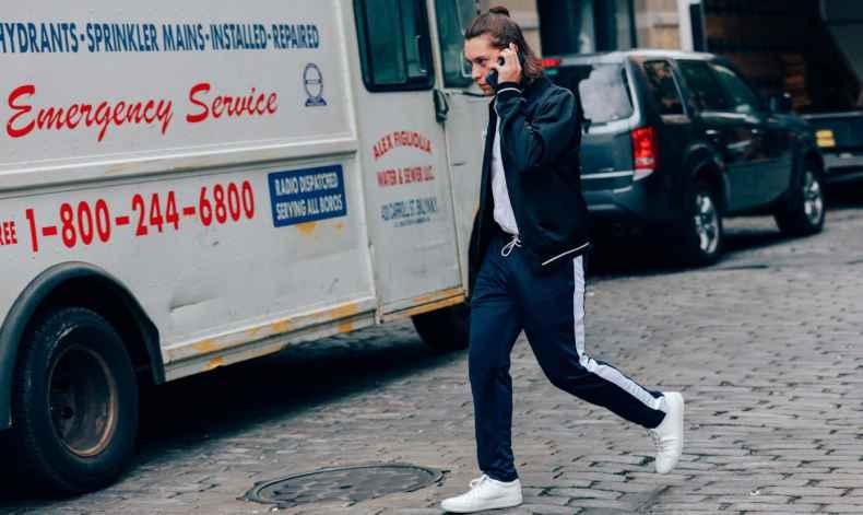 男士运动裤配什么鞋子好看 凹足造型感
