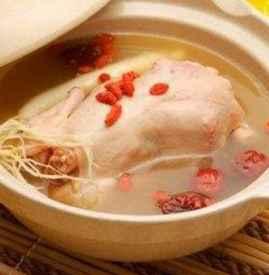 鸡汤放什么炖最有营养 冬季力荐7大营养鸡汤食谱