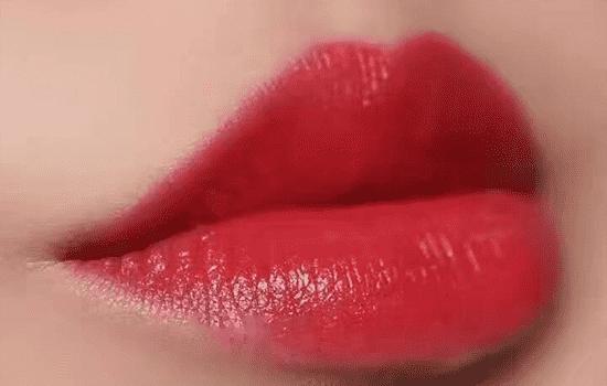 香奈儿口红哪款显白 上嘴肤色秒白两个度