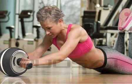 腹肌轮一天做多少合适 健身要学会循序渐进