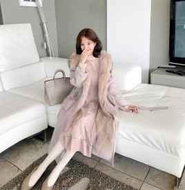 粉色裙子配什么外套 优雅时尚两不误