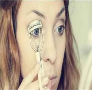 睫毛夹怎么使用 睫毛翘翻天的5大黄金技巧