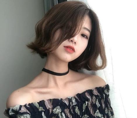 新款短发烫发发型图片 烫一下更fashion