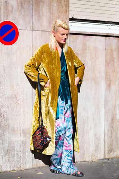 金属色系服装街拍 金属色衣服时尚搭配指南