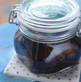 黑枣泡黄酒的制作方法 冬令进补偏方黑枣酒