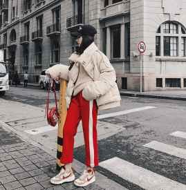 红色裤子配什么上衣 四种88必发国际温暖冬季