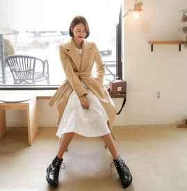 大衣搭配什么裙子好看 冬天也能万种风情