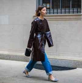 阔腿牛仔裤配什么鞋子 时尚与温度兼具
