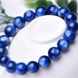 蓝水晶的寓意是什么 意味着爱与保护