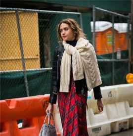 毛衣围巾围法 4种围法让你的穿搭时髦又有心意