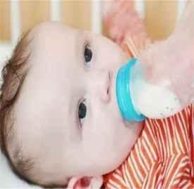 添加辅食后奶量要减小吗 关于添加辅食奶量调整分析
