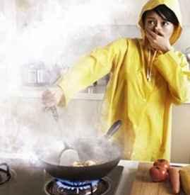 炒菜时咳嗽是怎么回事 如何避免炒菜时油烟过多
