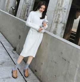 白色毛衣裙搭配鞋子 四款搭配温暖春季