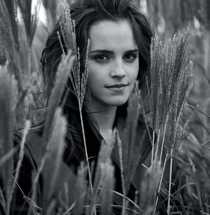 Emma Watson担任澳洲版《VOGUE》三月号客座编辑