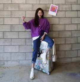 紫色卫衣搭配图片女 流行色感觉穿起来