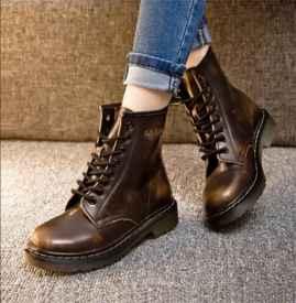 鞋子褶皱怎么处理 这样做鞋子光滑不起皱