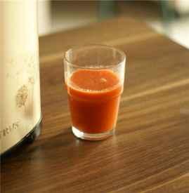 胡萝卜汁可以加蜂蜜吗 胡萝卜和蜂蜜可同食