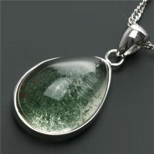 绿水晶的功效与作用 促进人缘招财辟邪