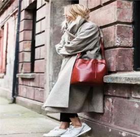 大衣运动鞋搭配图片欣赏 这样搭配简直美爆了