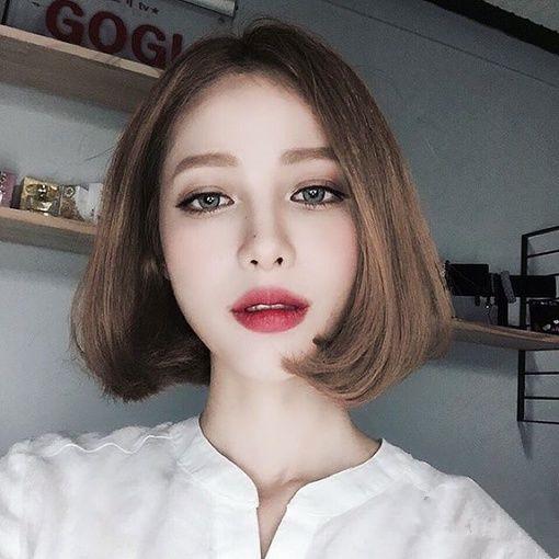 没有刘海的短发 很适合春夏季
