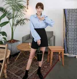 黑色短裙配什么上衣 基本款也能很时髦