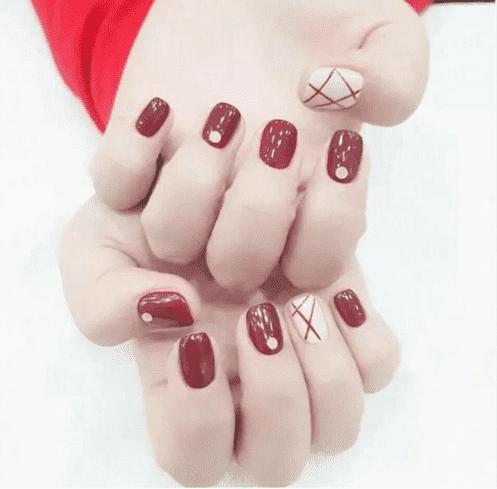 红色系美甲 你会爱哪一款呢