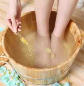 每天用什么泡脚能减肥 一个月可甩10斤