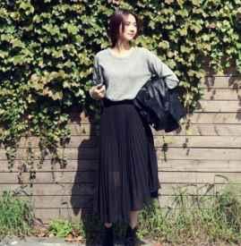 百褶长裙搭配什么上衣 既显瘦又是时髦