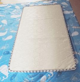床单怎么改成床笠 床单和床笠哪个更好
