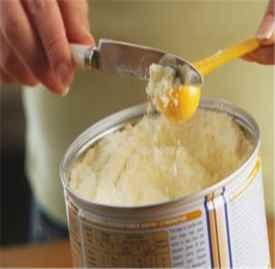 冲调宝宝奶粉的正确方法 怎么给宝宝冲调奶粉