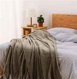 空调被一般多重 多少斤的被子适合夏天使用