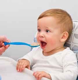 0-1岁宝宝喂养误区 你看看有没有中枪