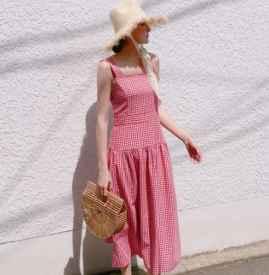 格子连衣裙配什么鞋子 这四种搭配充满甜美又俏皮